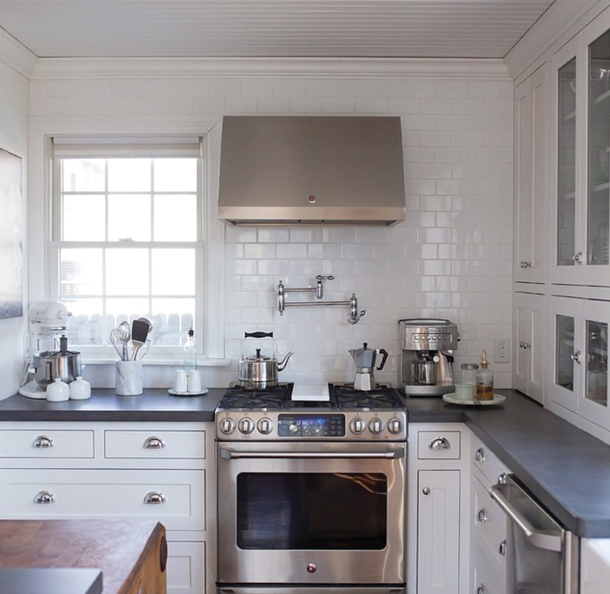 18 Fantastic Coastal Kitchen Designs For Your Beach House ...