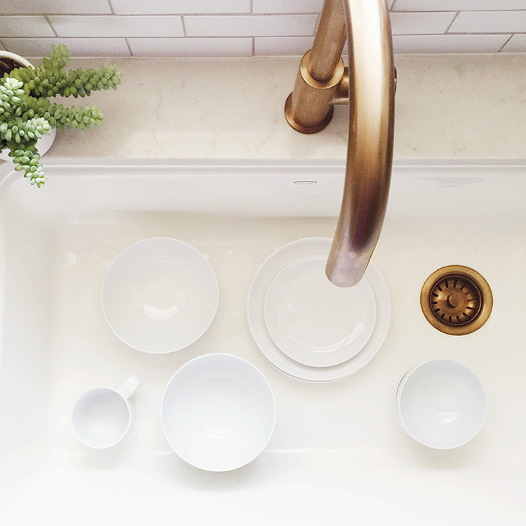 dishes-in-kitchen-sink