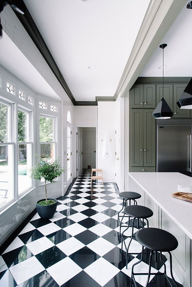 Gwen-The-Makerista-Kitchen-black-and-white-tiles