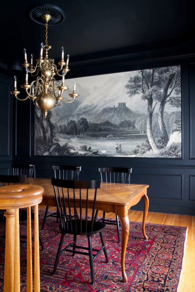 The-Makerista-Dining-Room-Black-Blue-Williamsburg-Sarouk-Rug-Baker-Table-Windsor-Chairs-Mural-683x1024